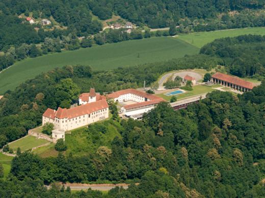 Leibnitz Schloss Seggau Übersicht © Helmut Bolesch